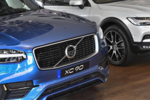 Volvo goes electric, phasing out cars powered solely by gas